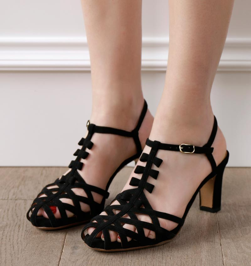 ALLURE BLACK CHiE MIHARA shoes