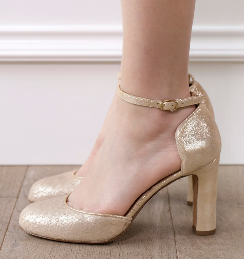 HELA GOLD CHiE shoes
