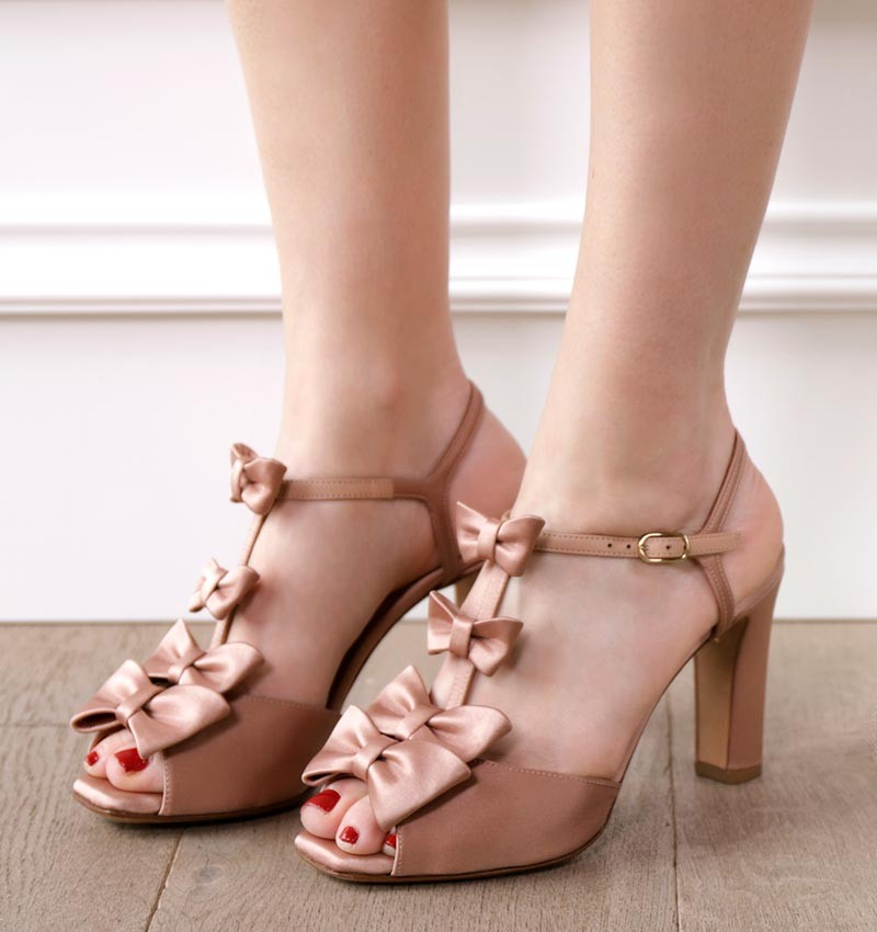 JOY POWDER CHiE sandals