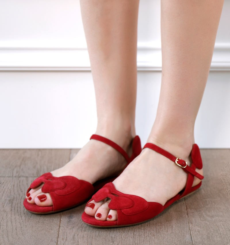 YELINE RED CHiE sandals