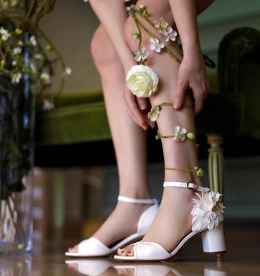 BRI-HORTAN OFF-WHITE CHiE MIHARA bridal