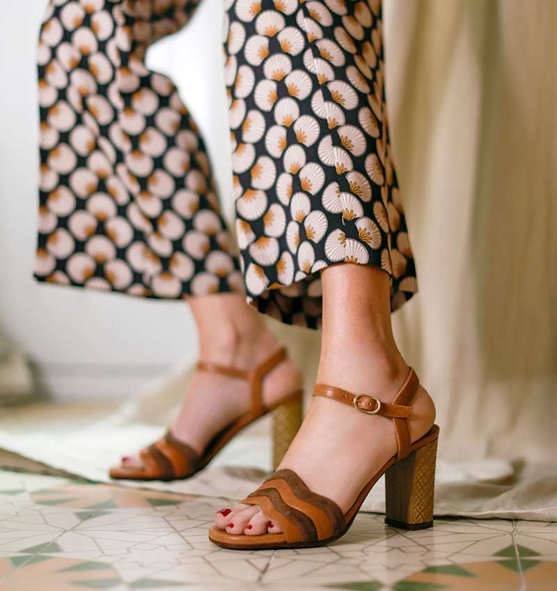 BAOLA BROWN CHiE MIHARA sandals
