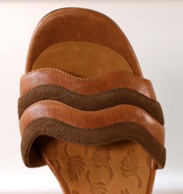 BAOLA BROWN CHiE MIHARA sandals