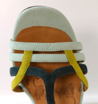 BELY MINT CHiE MIHARA sandals