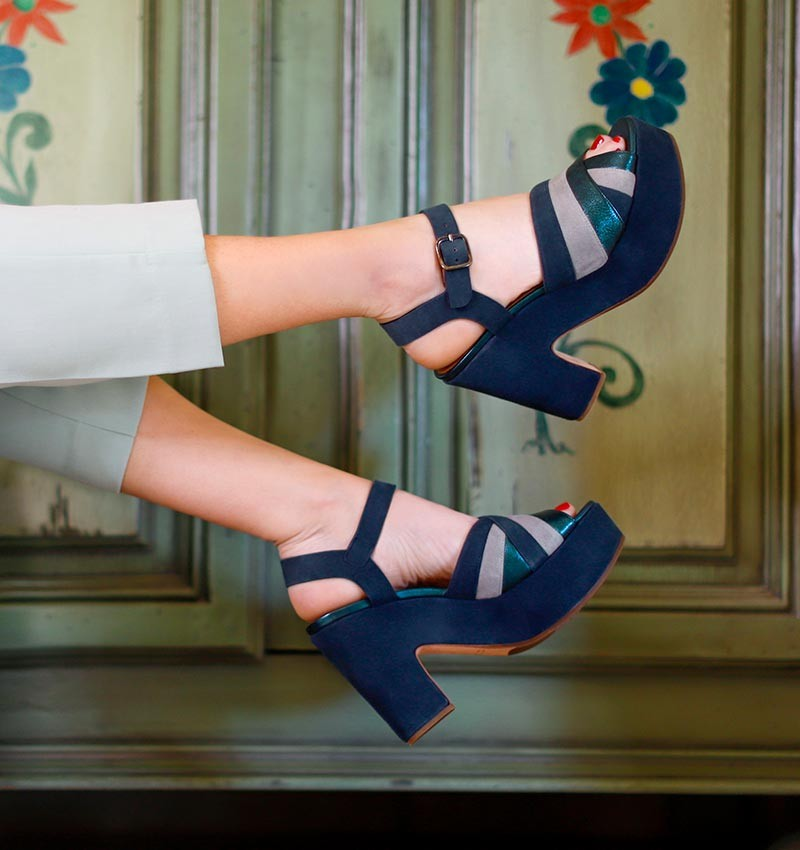 YISCA PETROL CHiE MIHARA sandals