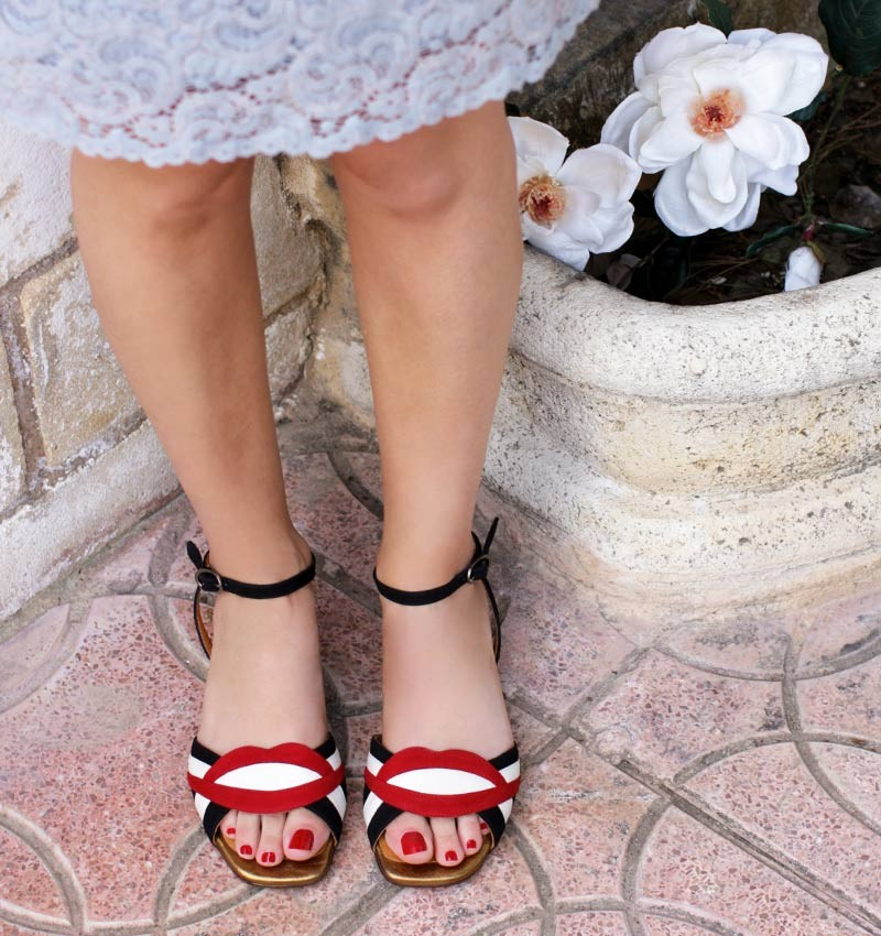 TIMAI RED CHiE MIHARA sandals