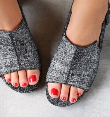 OPERANTI BLACK CHiE MIHARA sandals