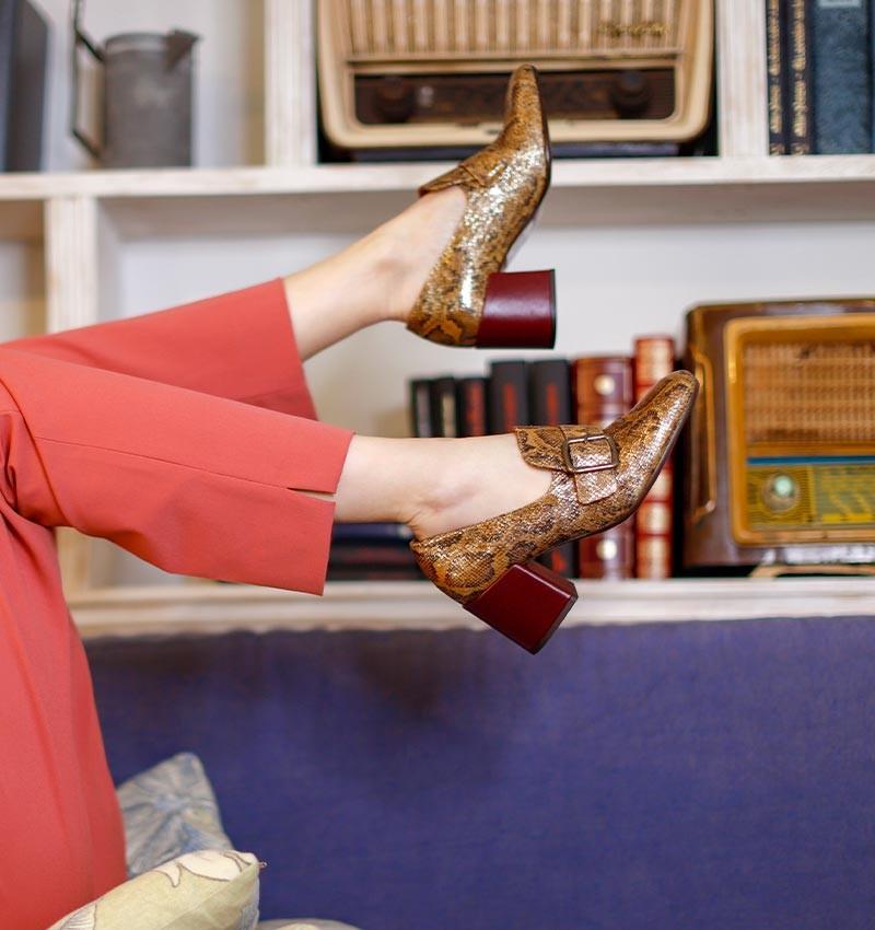 URCHIN BROWN CHiE MIHARA zapatos