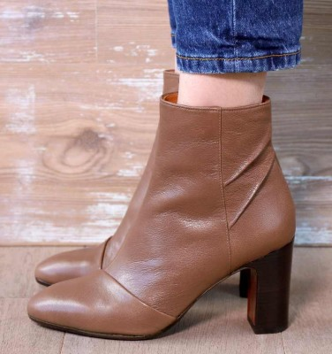 EMAN TAUPE CHiE MIHARA boots