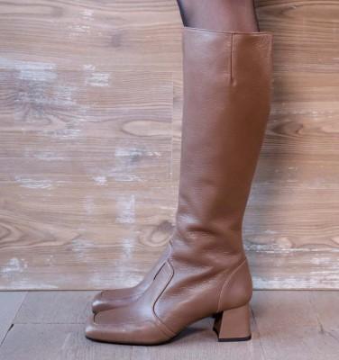 VOYVOY GREY CHiE MIHARA botas