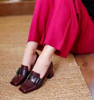 VOYA GRAPE CHiE MIHARA shoes