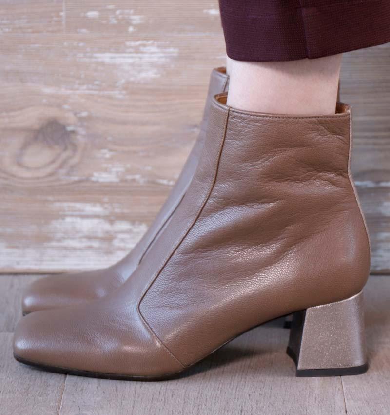 VOLSHOI GREY CHiE MIHARA botas