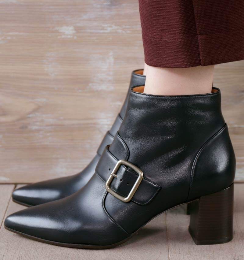 QUENCA BLACK CHiE MIHARA boots