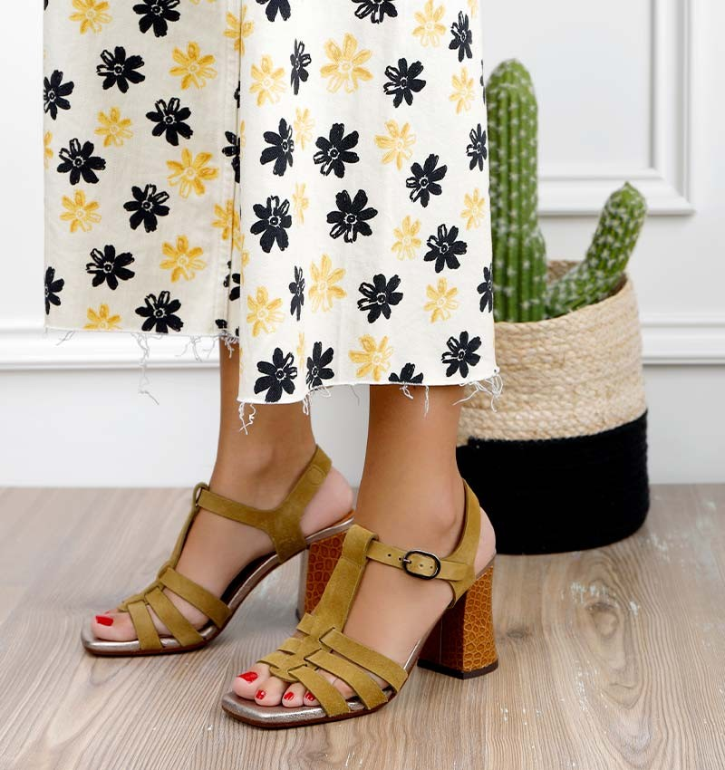 PAXI OLIVE CHiE MIHARA sandals